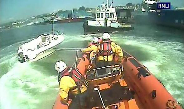 Kill cord reminder: RNLI video of runaway powerboat