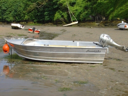 Used Powerboats: Seastrike 14