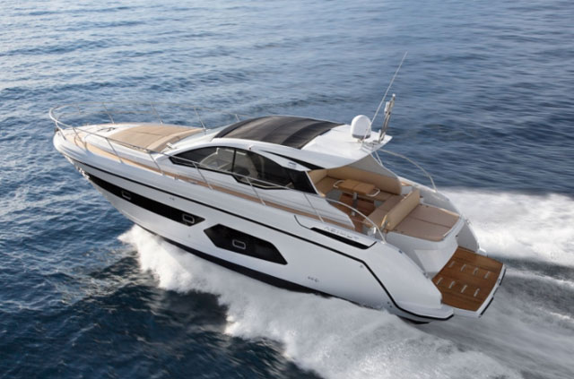 Affordable sports cruiser – Azimut Atlantis 43 review