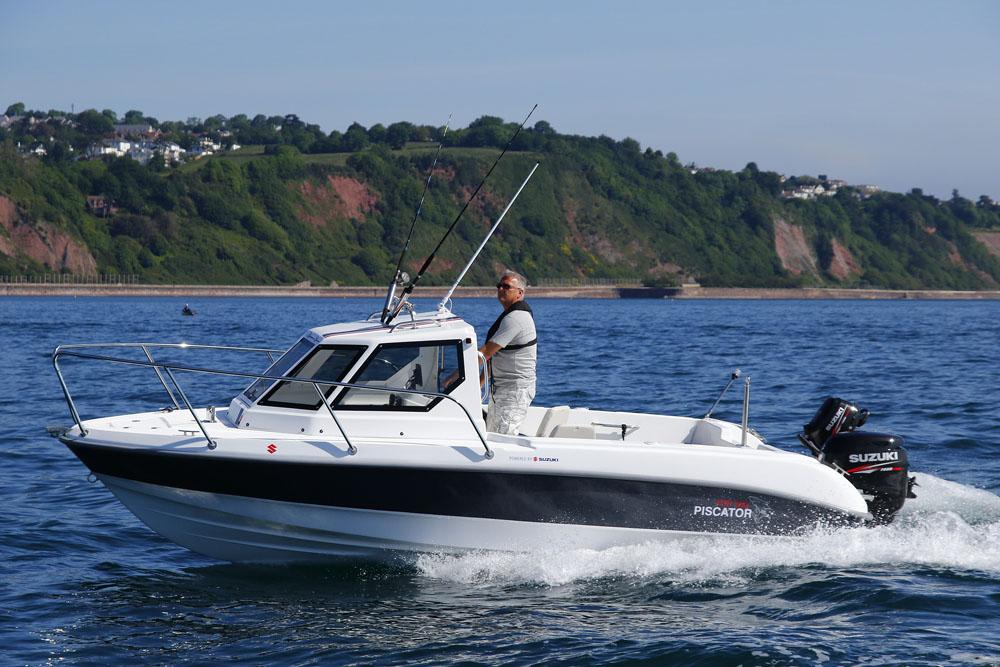 10 bateaux à moteur pas chers