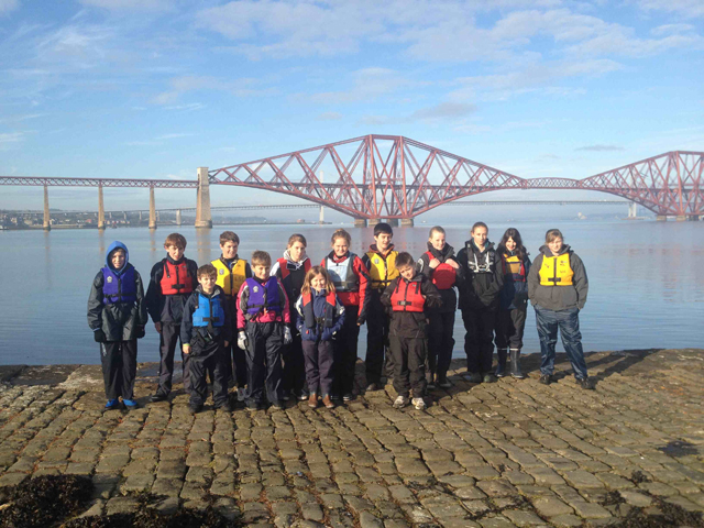 Young powerboaters hit the water in Queensferry