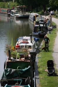Busy towpaths: Narrowboat holiday tips