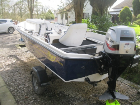 Used powerboats: Salcombe Flyer 440