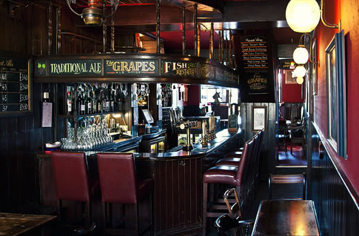 The Grapes – boating pub