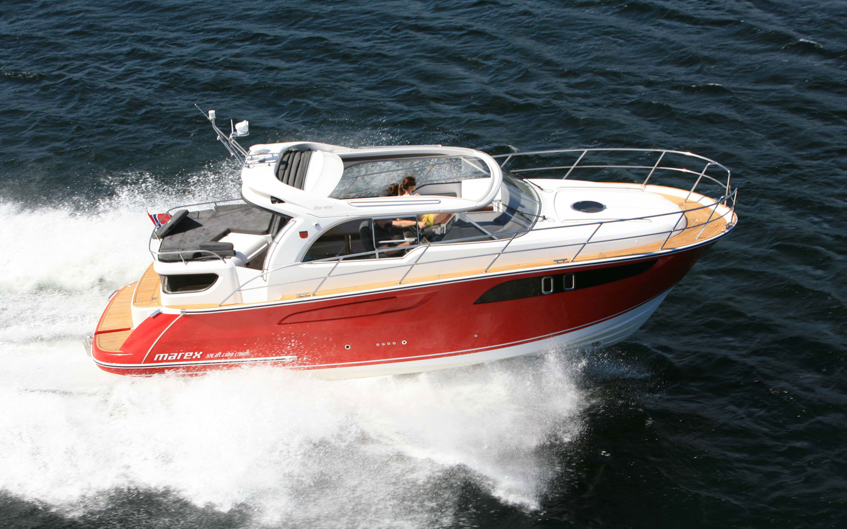 Marex 320 ACC: 30ft family powerboats