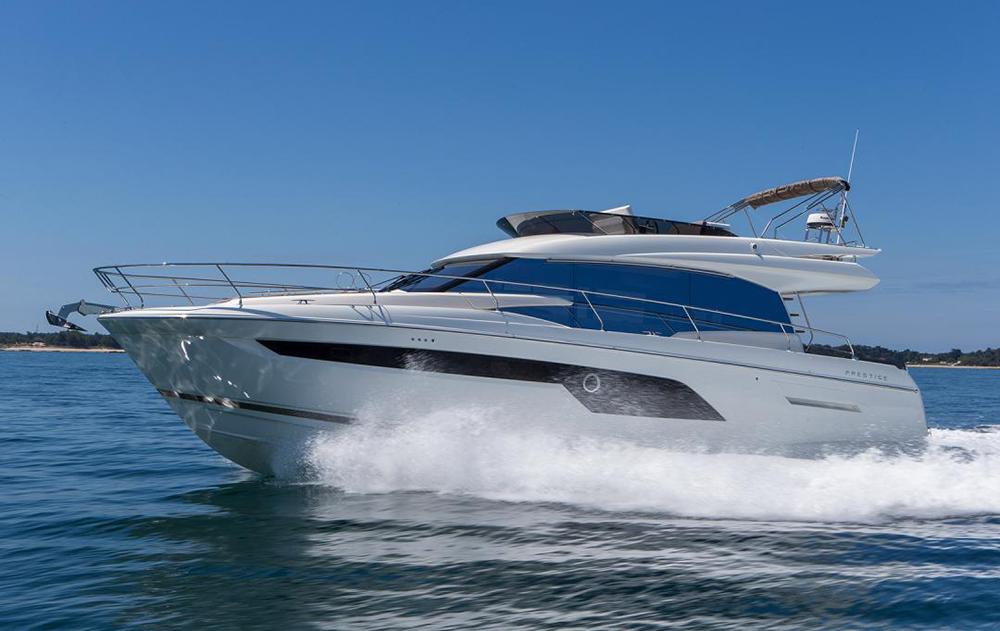 Flybridge cruisers: Prestige