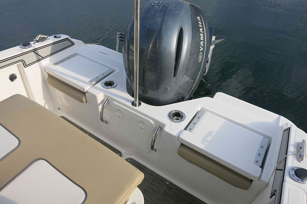 Wellcraft 182 aft