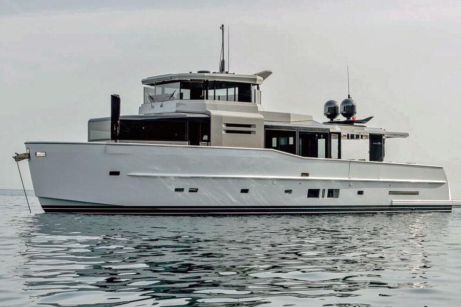 Arcadia 85S – distinctive design