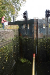 Gates and paddles – how to navigate a lock