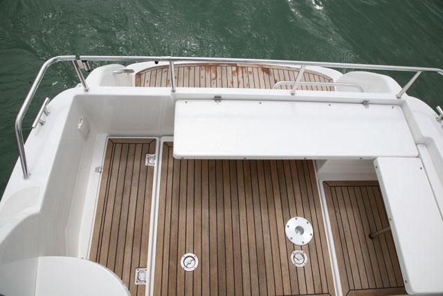 Pont pour bateau de pêche sportive
