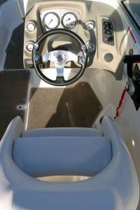 Larson 850 helm