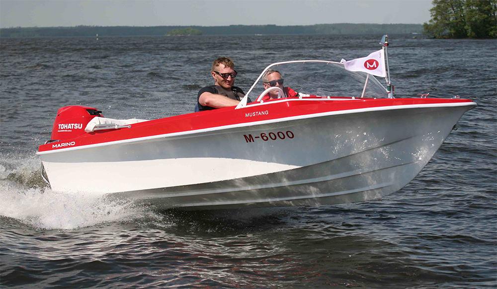 Retro powerboats: Marino mustang