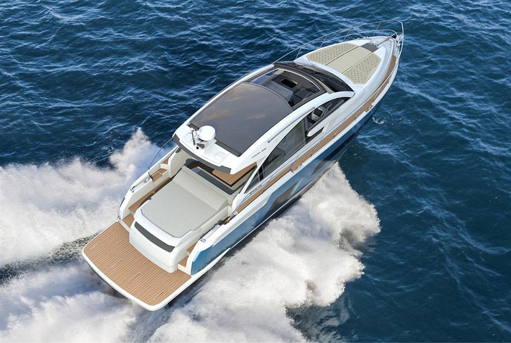 Powerboats at Southampton: Fairline Targa 53.