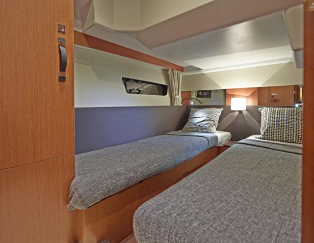 Guest cabin – Jeanneau Velasco 37F review