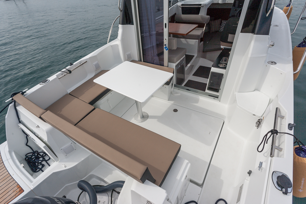 Boat test: Jeanneau Merry Fisher 795 cockpit