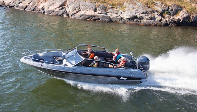 Best bowrider in the range – Yamarin Cross  64 BR review