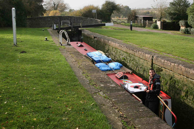 Cill marker – how to operate a lock on a canal