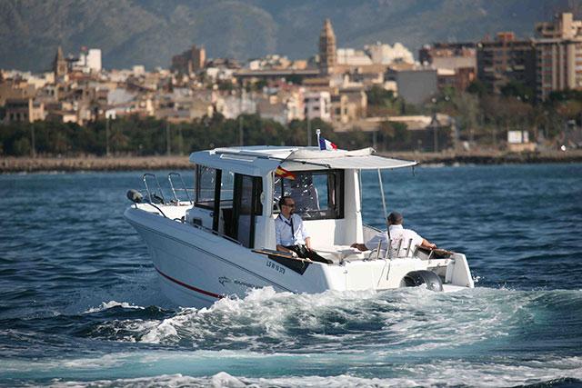 The Beneteau Barracuda 7 is a very versatile summer boat