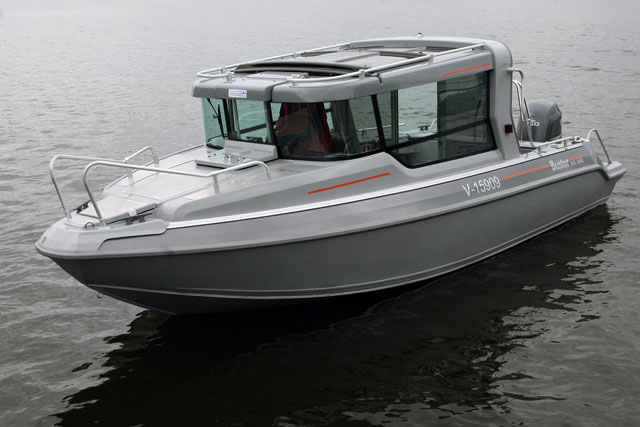 Buster XXl cabin version