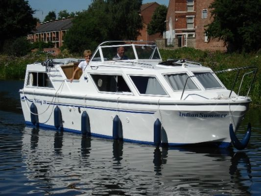 Houseboats: Viking 26