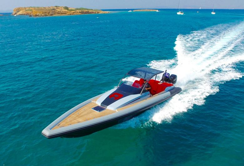 Racing powerboats: Technohull Attitude
