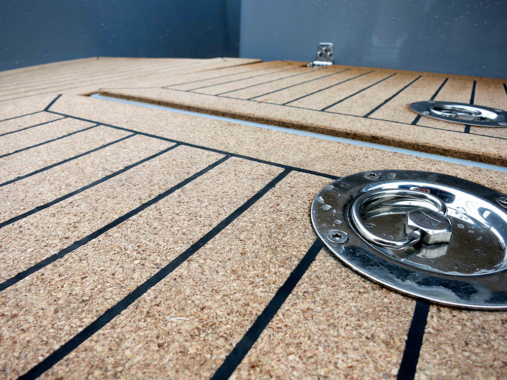 Love your boat: decking