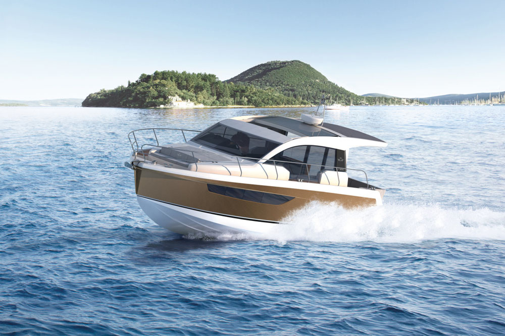 Sealine C330: best boats from the Southampton show