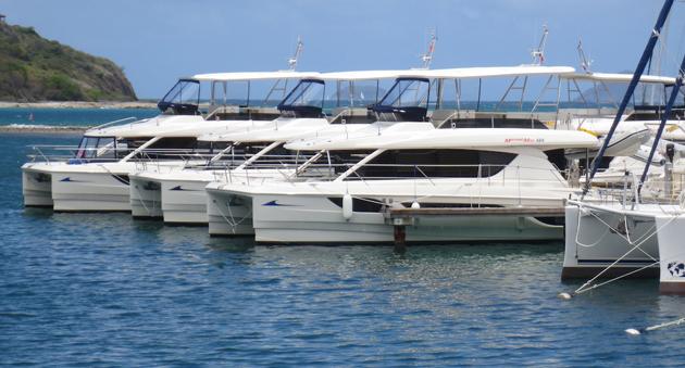 MarineMax 484 powercat