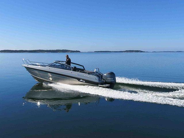 Yamarin Cross 75 BR: new flagship bowrider