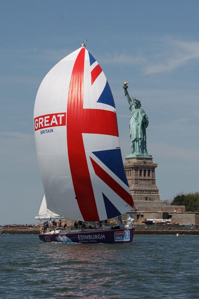 Clipper fleet salutes the Queen