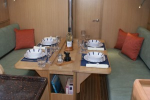 GT35 saloon settees