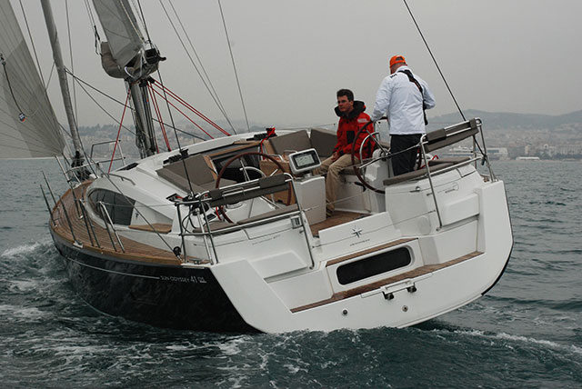 Jeanneau 41DS from the stern