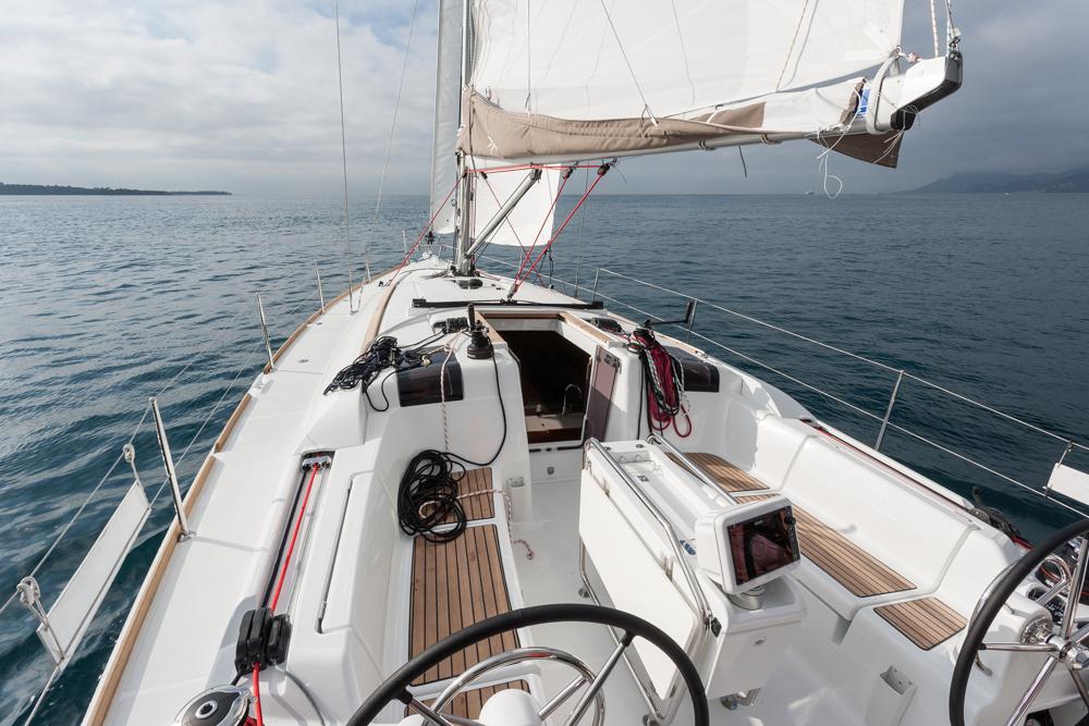 Jeanneau Sun Odyssey 419 review: cockpit