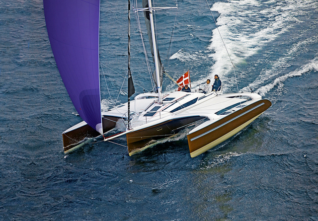 Dragonfly 32, tearing up the course - photo YACHT/N.Krauss