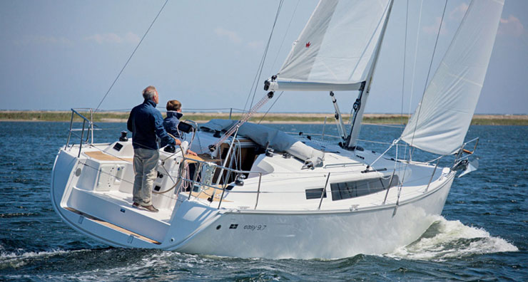 Bavaria Easy 9.7 under sail