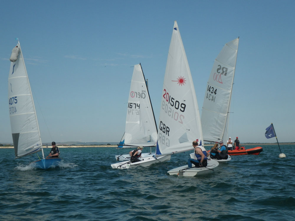 Singhlehanded sailing: best sailing dinghies for beginners