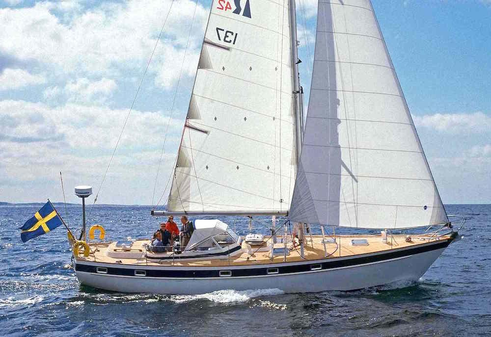 Hallberg Rassy 42E: bargain sailing yachts