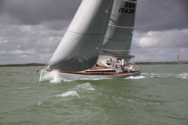 Grand Soleil 43: performance cruising yacht