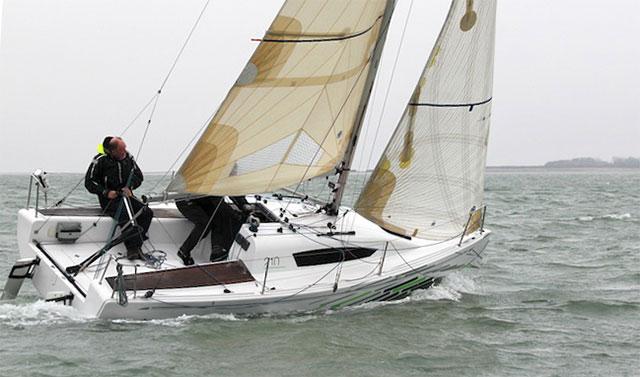 Elan 210 boat test boats.com