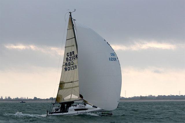 Elan 210 boats.com test downwind