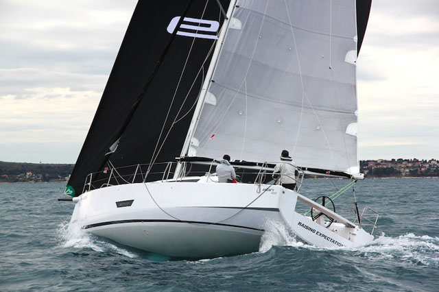 Elan 400: performance cruising yacht