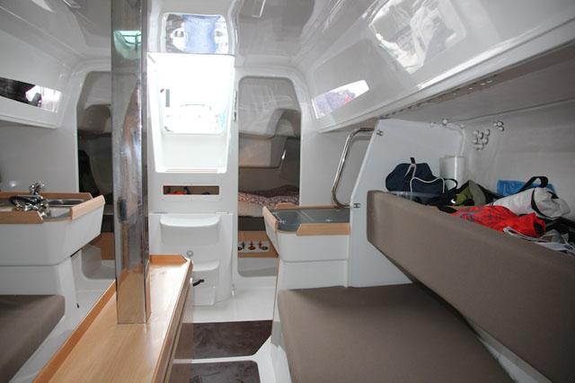 Jeanneau Sun Fast 3600 – below decks