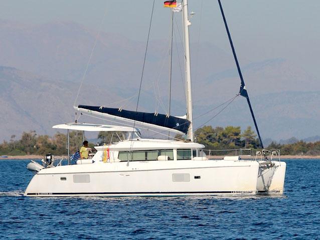 Lagoon 420 – comfy catamarans