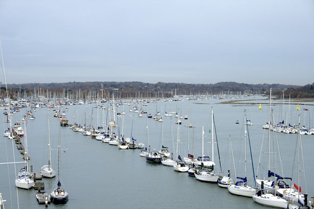 Mooring fees: Choosing your first yacht