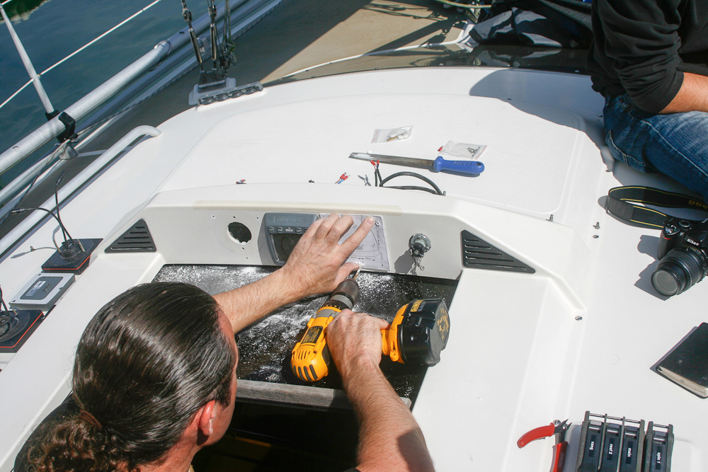 Fitting, maintaining and replacing marine electronics
