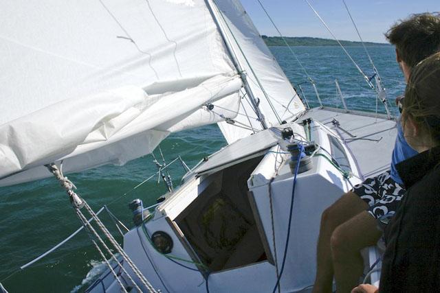 Reefed main: family sailing