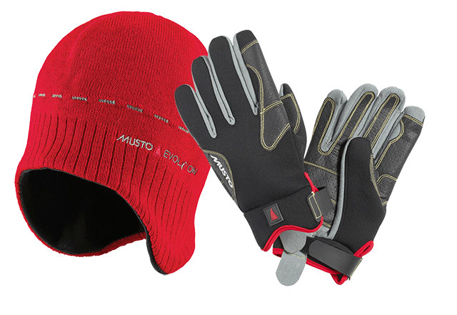 Musto gloves and beanie