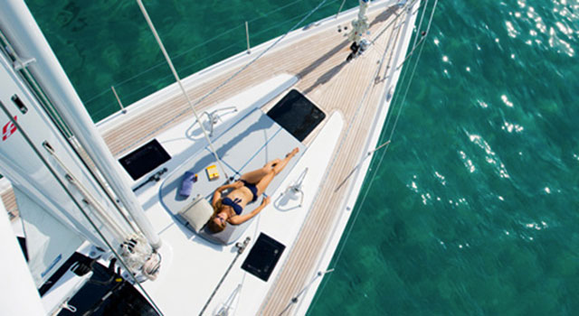 Yachts to get the girl: Oyster 575