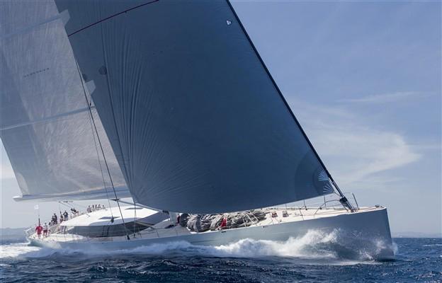 sailing boat upwind