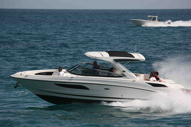 Searay 350 SLX - Boston Whaler 350 outrage